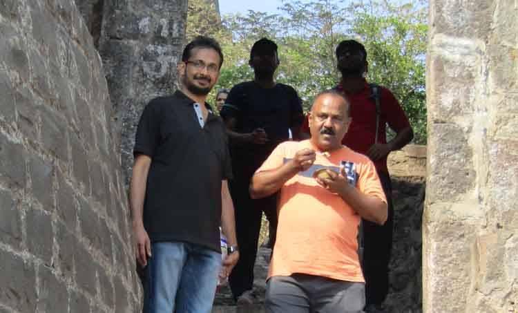 e santhoshkumar, trekking, malayalam writer,