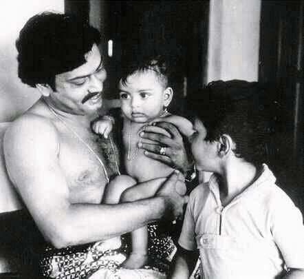 Sukumaran with sons Indrajith and Prithviraj