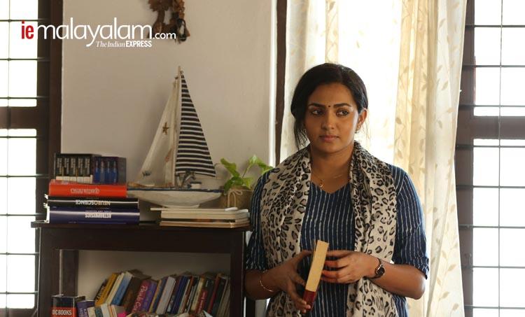 Parvathy, Uyare, parvathy interview, iemalayalam