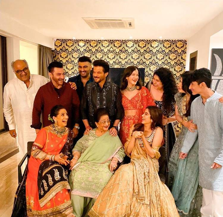 diwali, ദീപാവലി, deepavali, ദീപാവലി ആഘോഷം, diwali celeberation, film stars diwali, ie malayalam, ഐഇ മലയാളം