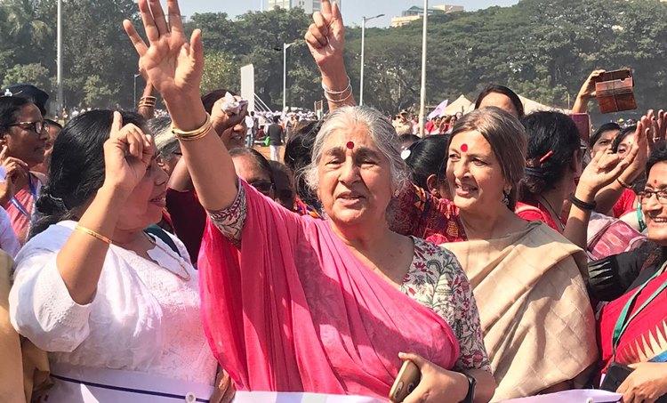 Swara Bhaskar,സ്വര ഭാസ്കര്, Swara Bhaskar's speech, സ്വര ഭാസ്കറുടെ പ്രസംഗം, Swara Bhaskar inAll India Democratic Women's Association conference, സ്വര ഭാസ്കർ മഹിളാ അസോസിയേഷന് സമ്മേളനത്തിൽ, Brinda Karat, വൃന്ദ കാരാട്ട്, Subhashini Ali,സുഭാഷിണി അലി, IE Malayalam,ഐഇ മലയാളം