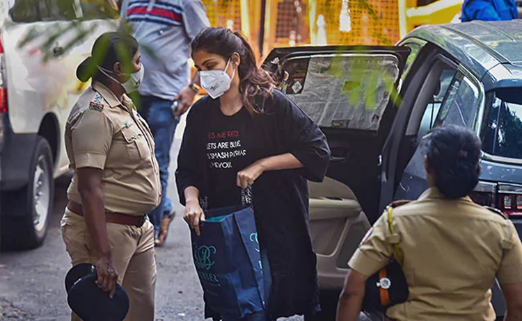 rhea chakraborty, rhea chakraborty arrest, rhea chakraborty drug case, rhea chakraborty drug case arrested, rhea chakraborty news, rhea chakraborty drug news, rhea chakraborty sushant singh rajput case, showik chakraborty drugs, rhea drug case latest news, justice for rhea