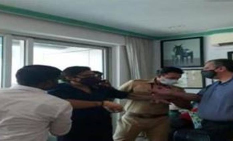 Arnab Goswami, Arnab Goswami detained, Arnab Goswami mumbai police, Arnab Goswami republic channel, Arnab Goswami news, Mumbai news