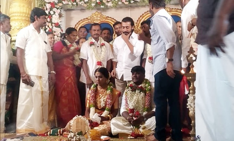 Suriya, Suriya fans, Suriya attends fans wedding, Suriya fan Hari, Suriya fans Hari weddding, സൂര്യ, Indian express malayalam, IE malayalam
