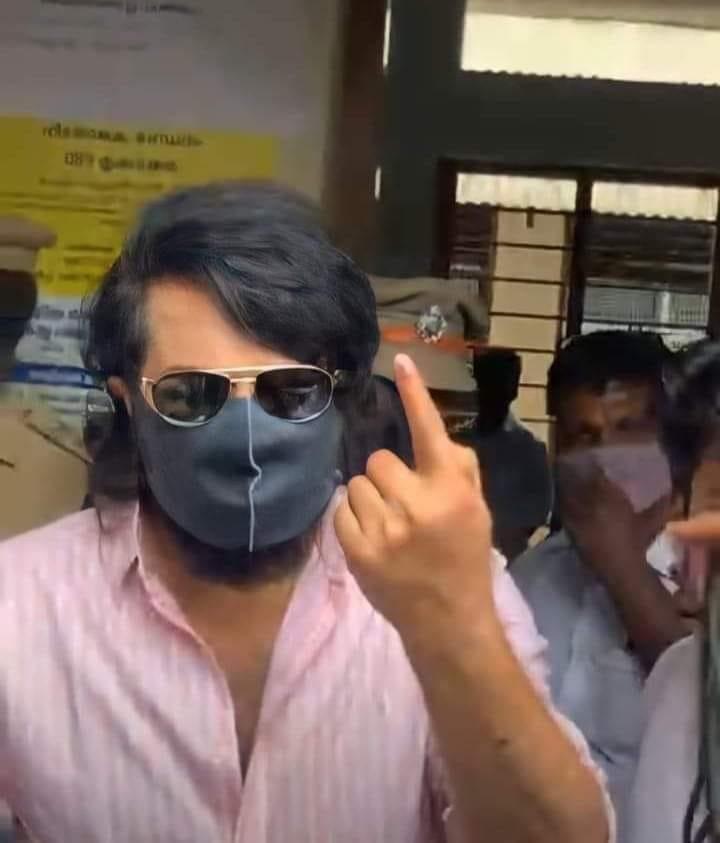 Kerala assembly election 2021, film stars cast vote, prithviraj, supriya, asif ali, polling day, LDF, UDF ,NDA, CPM, Congress-BJP-live updates,കേരള നിയമസഭാ തിരഞ്ഞെടുപ്പ്, എൽഡിഎഫ്, യുഡിഎഫ്, ബിജെപി, എൻഡിഎ, കേരളത്തിൽ വോട്ടെടുപ്പ്